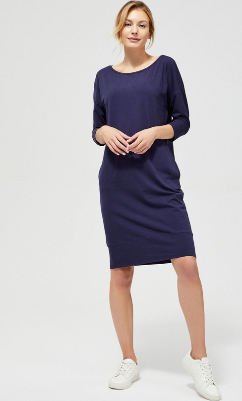 Sukienka Moodo z bawełny z długim rękawem