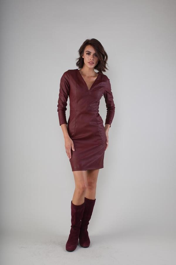 Sukienka Nommo mini dopasowana z dekoltem w kształcie litery v
