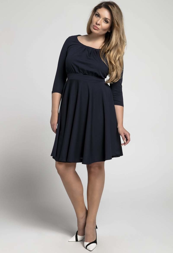 Sukienka Nommo z długim rękawem dla puszystych