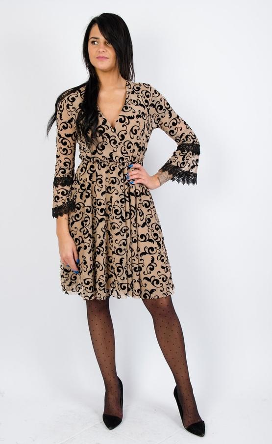 Sukienka Olika w stylu casual z długim rękawem