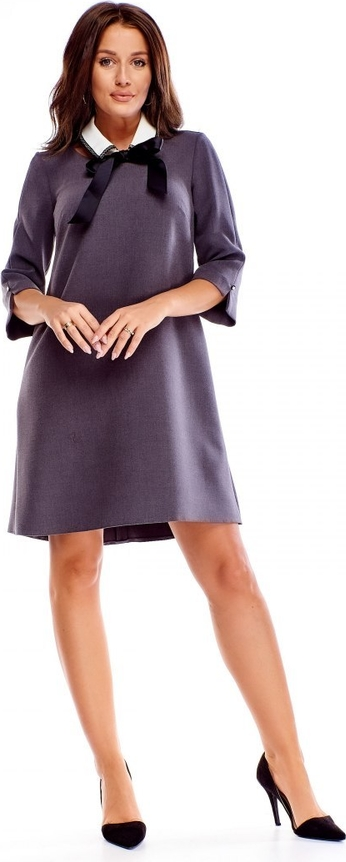 Sukienka omnido.pl z długim rękawem z dekoltem typu choker