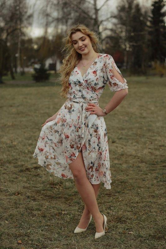 Sukienka Oscar Fashion z długim rękawem z szyfonu kopertowa