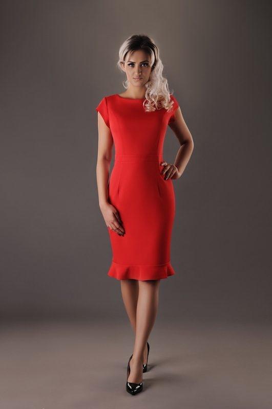 Sukienka Oscar Fashion z okrągłym dekoltem midi z krótkim rękawem