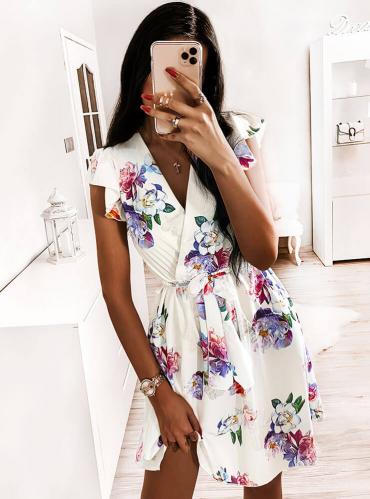 Sukienka Pakuten z dekoltem w kształcie litery v w stylu casual mini