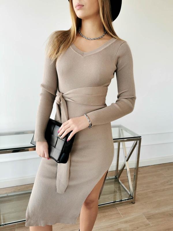 Sukienka Perfe ołówkowa midi z długim rękawem