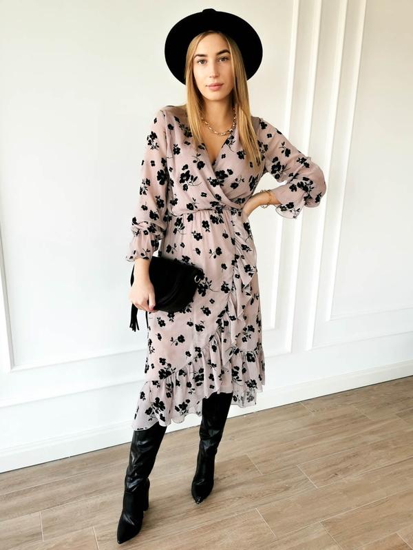 Sukienka Perfe z długim rękawem midi z szyfonu