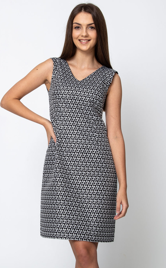 Sukienka QUIOSQUE w stylu casual prosta