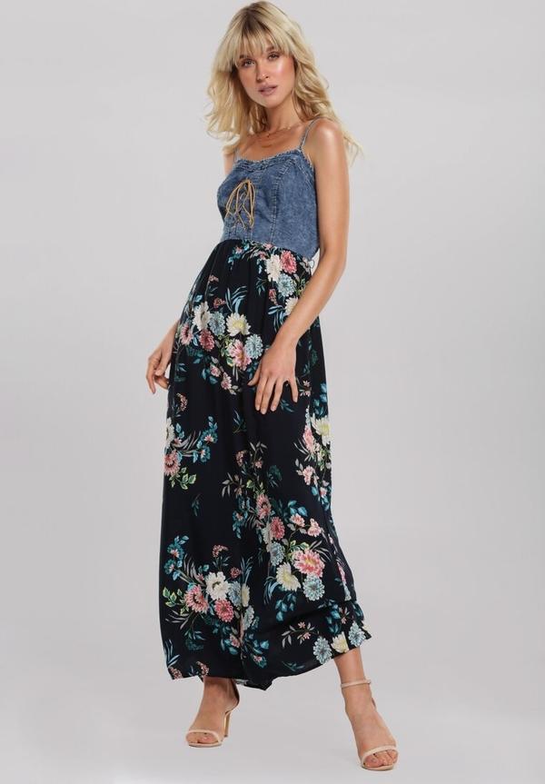Sukienka Renee na ramiączkach z dekoltem w kształcie litery v