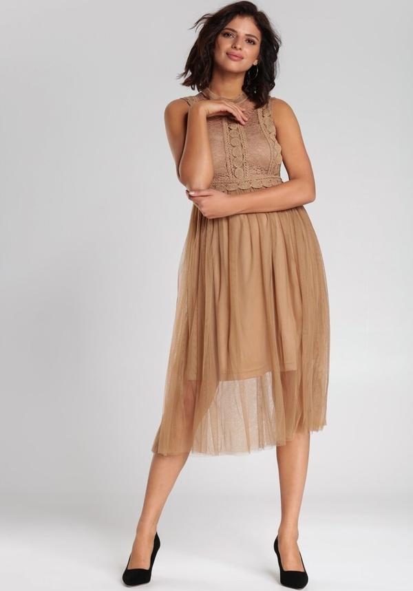 Sukienka Renee w stylu casual rozkloszowana