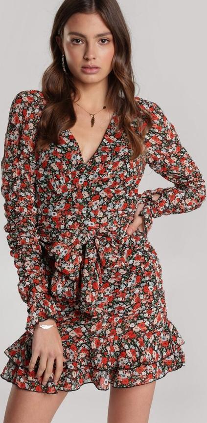 Sukienka Renee z długim rękawem mini z dekoltem w kształcie litery v