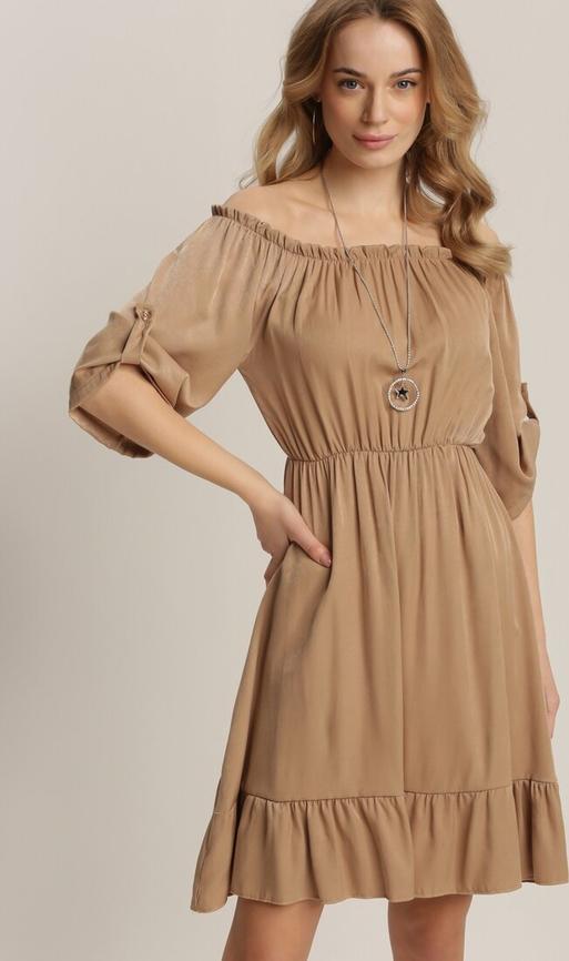 Sukienka Renee z okrągłym dekoltem w stylu casual mini