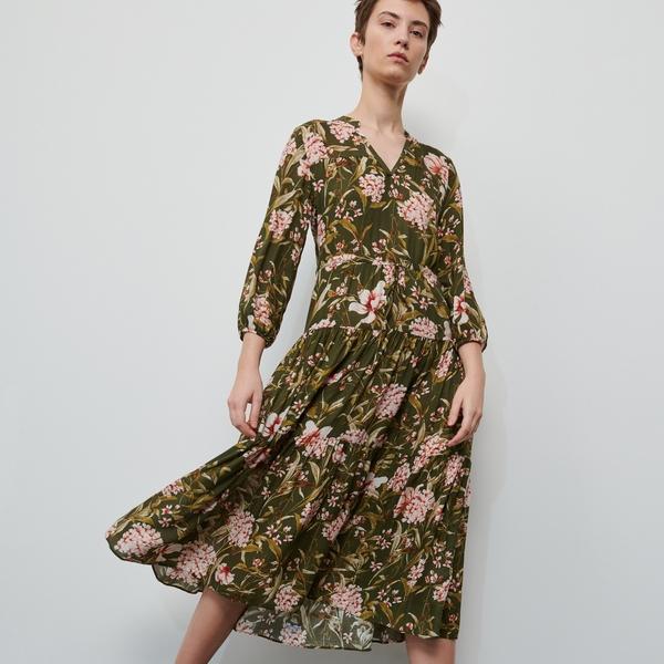 Sukienka Reserved z długim rękawem oversize z dekoltem w kształcie litery v