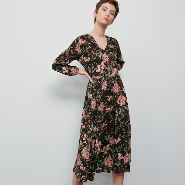 Sukienka Reserved z długim rękawem z dekoltem w kształcie litery v