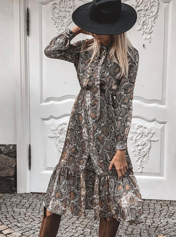 Sukienka SELFIEROOM z długim rękawem w stylu casual
