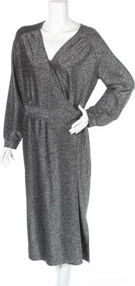 Sukienka Six Ames w stylu casual z długim rękawem