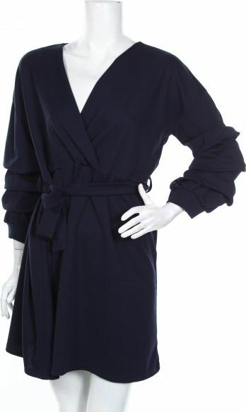 Sukienka Styleboom z długim rękawem z dekoltem w kształcie litery v mini