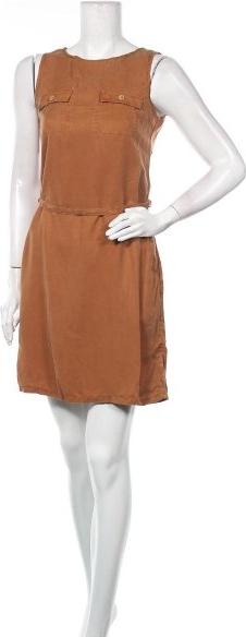 Sukienka TBS bez rękawów prosta z okrągłym dekoltem