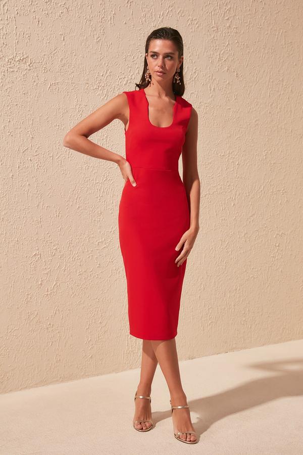 Sukienka Trendyol dopasowana bez rękawów