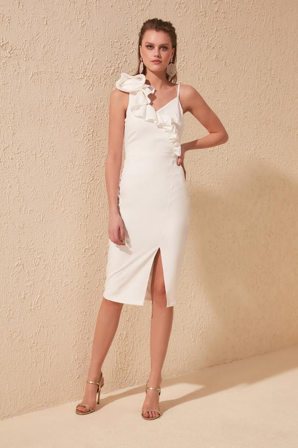 Sukienka Trendyol dopasowana midi z dekoltem w kształcie litery v