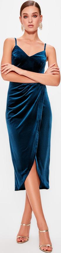Sukienka Trendyol kopertowa z dekoltem w kształcie litery v midi