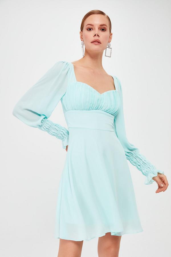 Sukienka Trendyol mini z długim rękawem