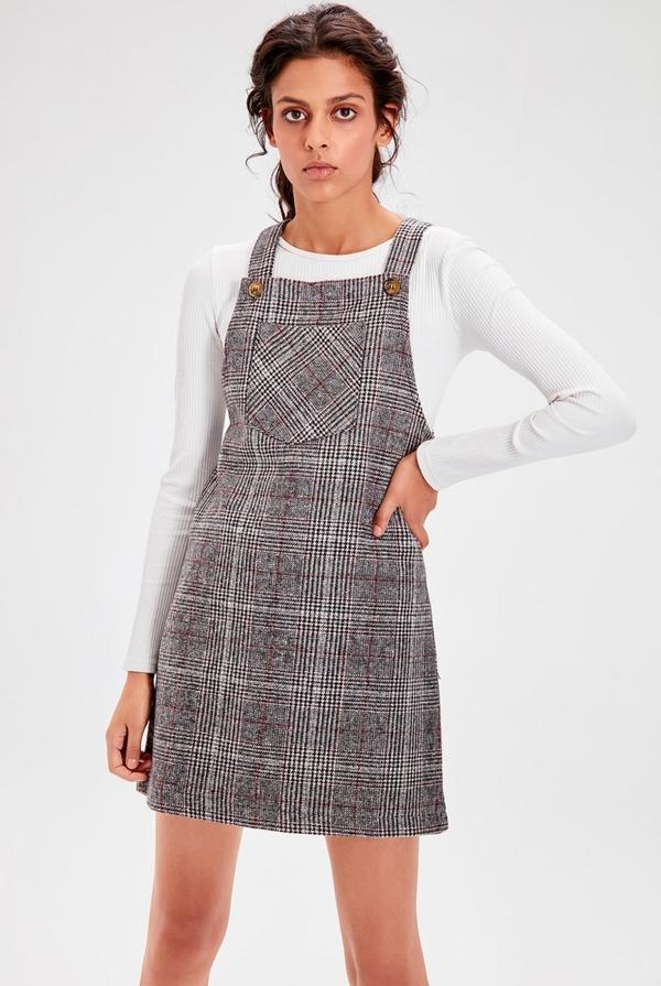 Sukienka Trendyol na ramiączkach mini w stylu casual