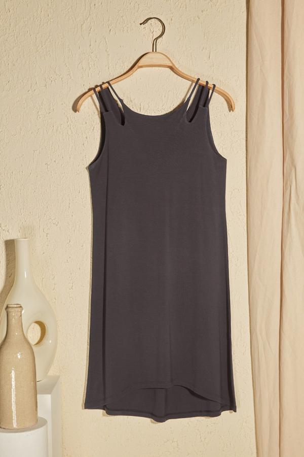 Sukienka Trendyol prosta mini bez rękawów