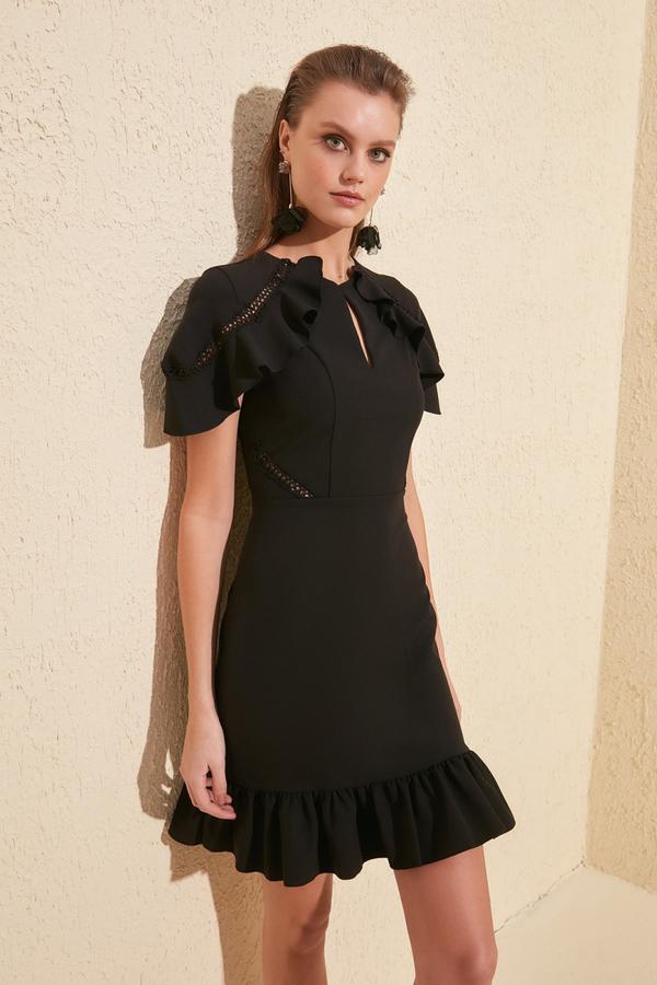 Sukienka Trendyol w stylu casual mini