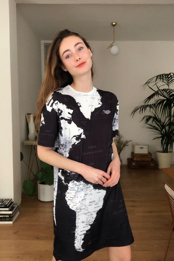 Sukienka Trendyol w stylu casual z okrągłym dekoltem mini
