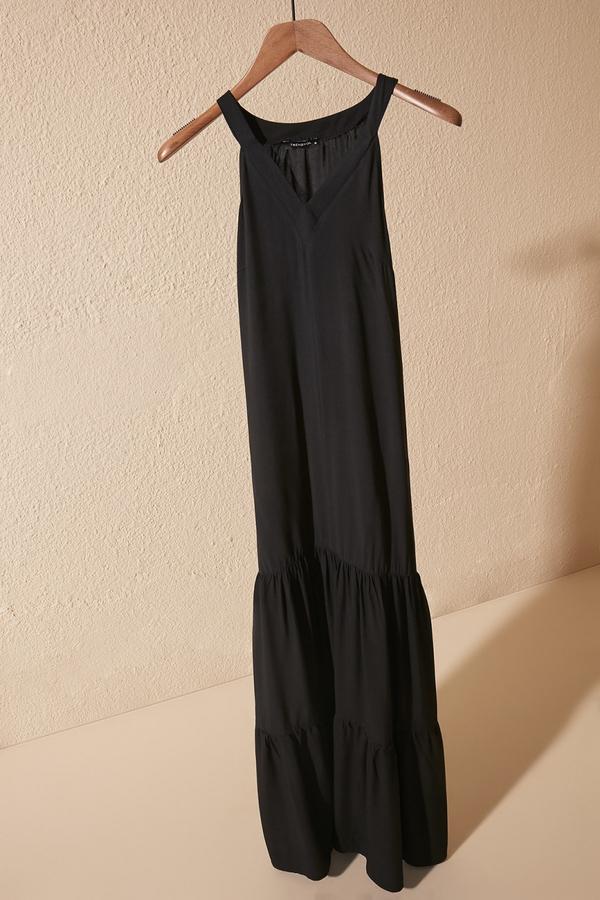 Sukienka Trendyol z dekoltem w kształcie litery v maxi w stylu casual
