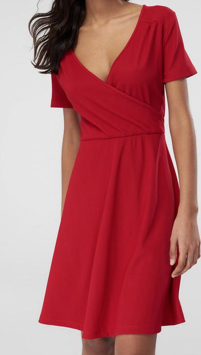 Sukienka Trendyol z dekoltem w kształcie litery v w stylu casual mini