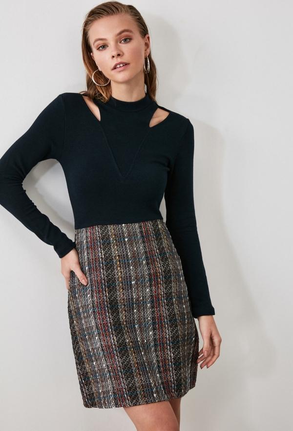 Sukienka Trendyol z długim rękawem z okrągłym dekoltem mini