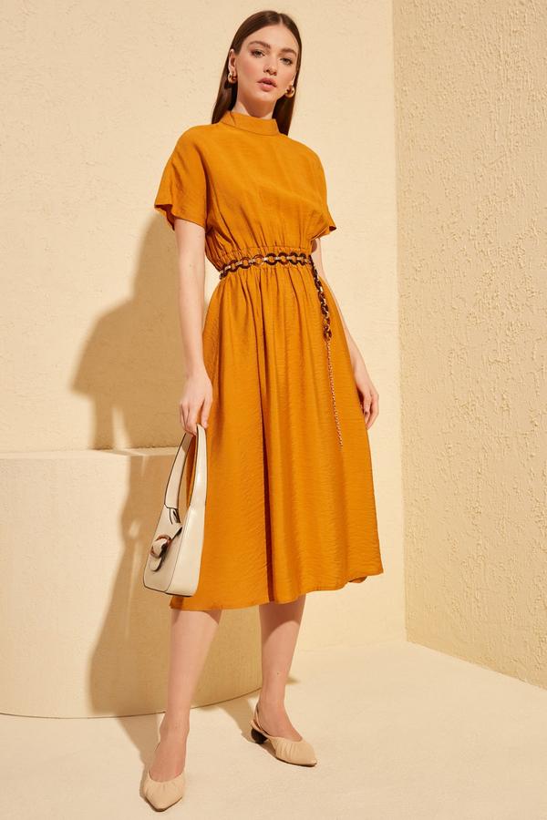 Sukienka Trendyol z krótkim rękawem midi