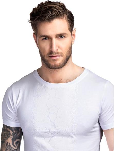 T-shirt Giacomo Conti w street stylu