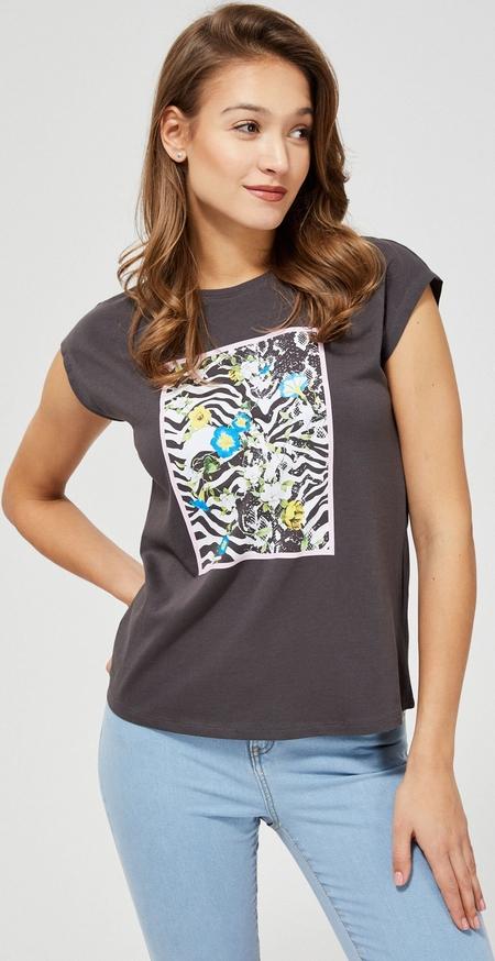 T-shirt Moodo w młodzieżowym stylu