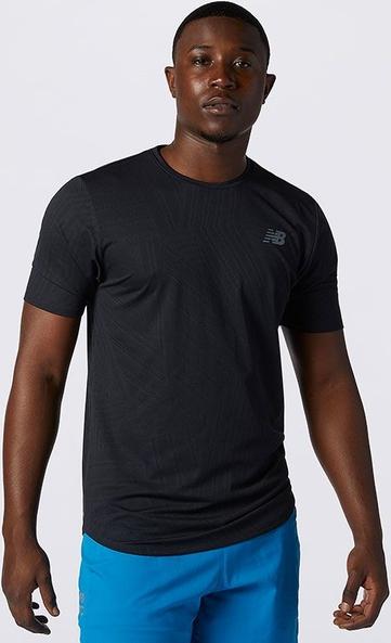 T-shirt New Balance w sportowym stylu z żakardu