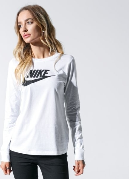 T-shirt Nike w sportowym stylu