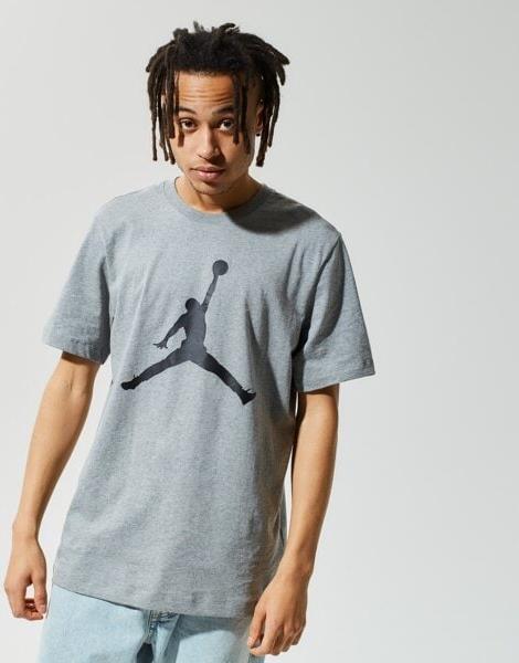 T-shirt Nike z krótkim rękawem w młodzieżowym stylu