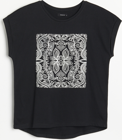 T-shirt Reserved z krótkim rękawem z nadrukiem w młodzieżowym stylu
