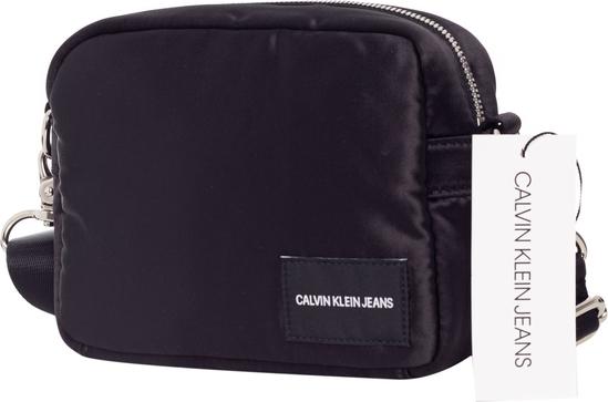 Torebka Calvin Klein matowa na ramię