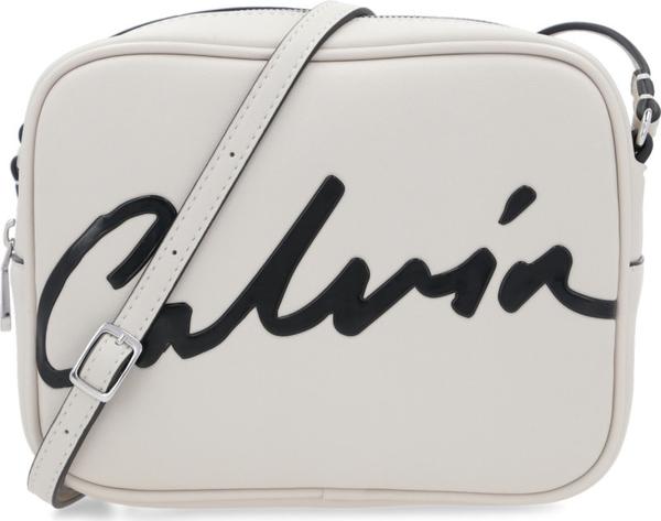 Torebka Calvin Klein na ramię w młodzieżowym stylu