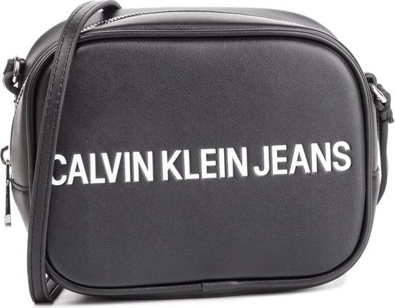 Torebka Calvin Klein w młodzieżowym stylu mała