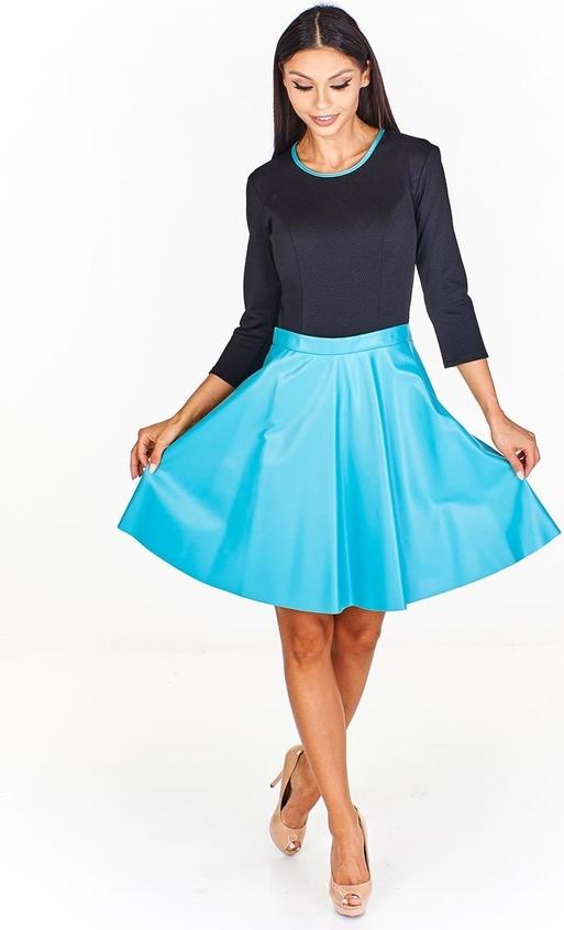 Turkusowa sukienka Fokus ze skóry w stylu glamour z okrągłym dekoltem
