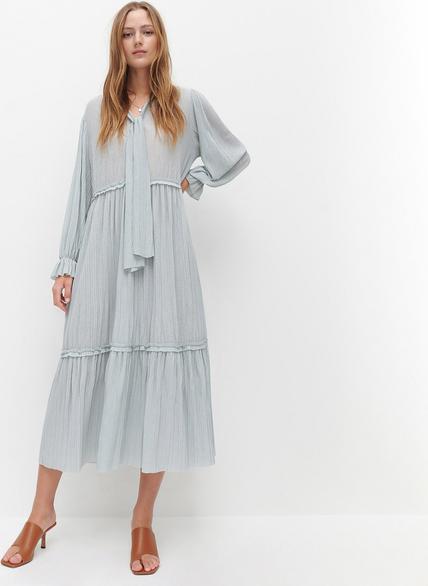 Turkusowa sukienka Reserved midi w stylu casual z dekoltem w kształcie litery v