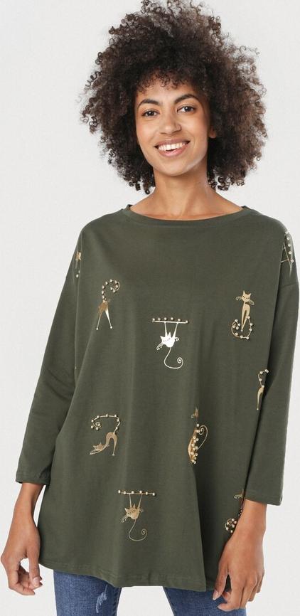 Zielona bluzka born2be z długim rękawem w stylu casual z okrągłym dekoltem