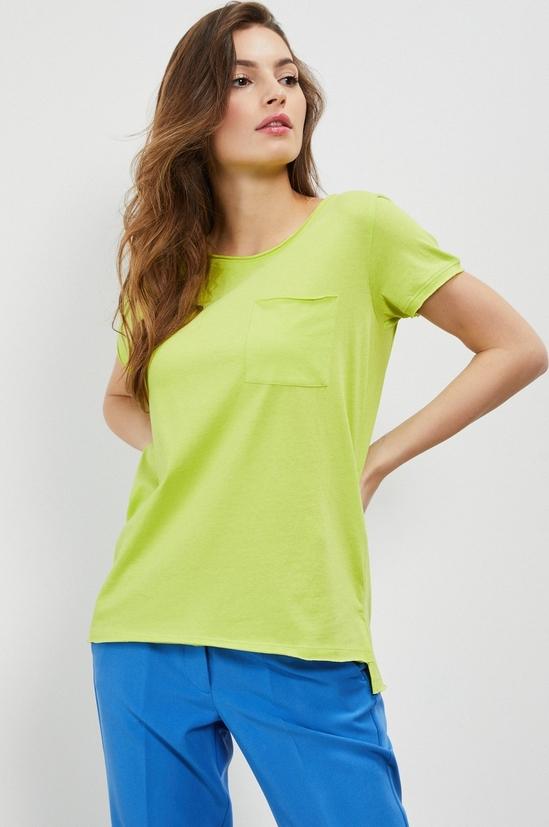 Zielona bluzka Moodo z bawełny w młodzieżowym stylu z krótkim rękawem