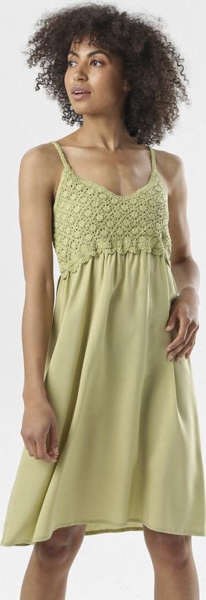 Zielona sukienka born2be na ramiączkach z dekoltem w kształcie litery v rozkloszowana