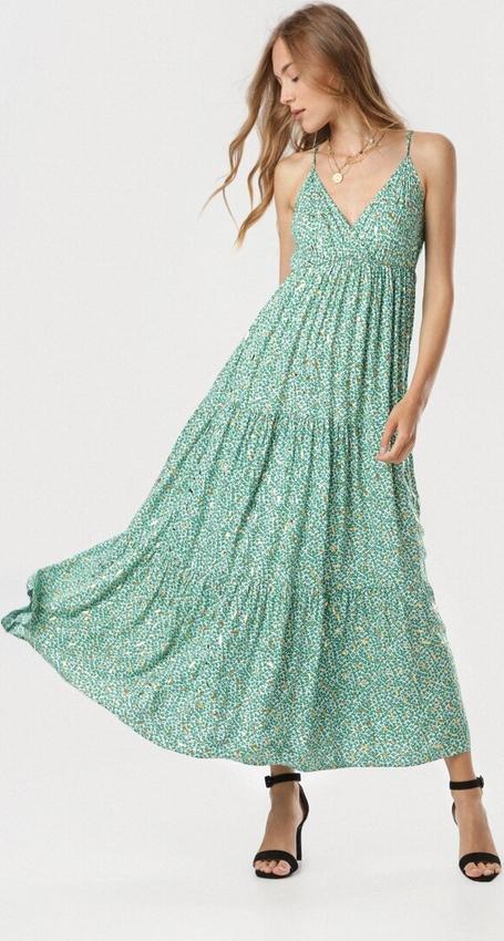 Zielona sukienka born2be z dekoltem w kształcie litery v maxi na ramiączkach