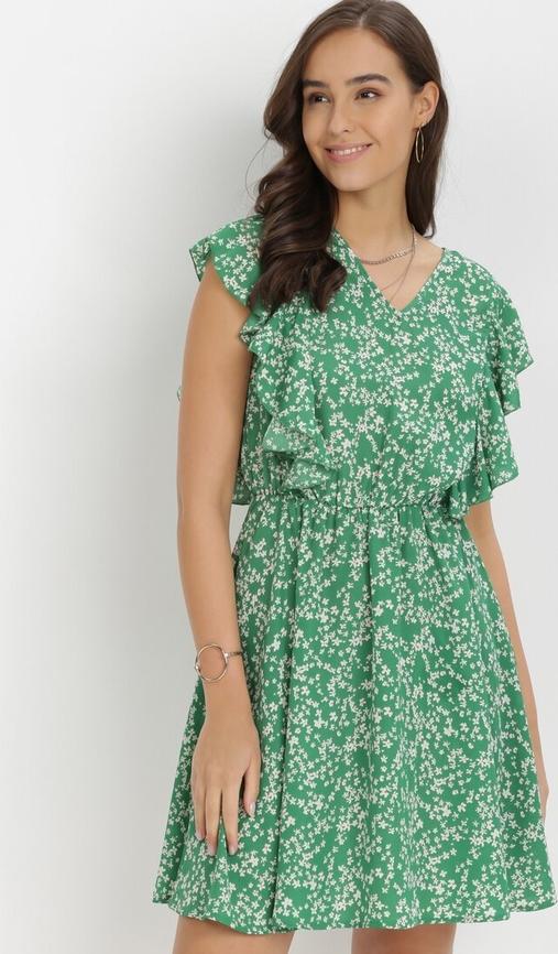 Zielona sukienka born2be z dekoltem w kształcie litery v w stylu casual mini
