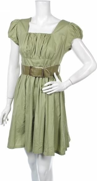 Zielona sukienka Chesley z krótkim rękawem rozkloszowana